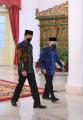 presiden-jokowi-wapres-dan-sejumlah-menteri-serahkan-zakat_20210415_211030.jpg