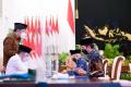 presiden-jokowi-wapres-dan-sejumlah-menteri-serahkan-zakat_20210415_215322.jpg