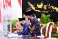 presiden-jokowi-wapres-dan-sejumlah-menteri-serahkan-zakat_20210415_215522.jpg