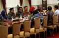 presiden-rapat-penanganan-dampak-banjir-bersama-tiga-gubernur_20200108_195044.jpg