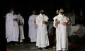 prosesi-misa-malam-jelang-paskah-di-gereja-st-gregorius_20200412_152615.jpg