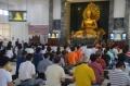 puja-bhakti-perayaan-trisuci-waisak-2562-be-di-surabaya_20180529_191321.jpg