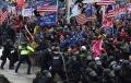 ribuan-pendukung-donald-trump-serbu-gedung-kongres-amerika_20210108_011721.jpg