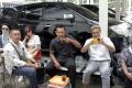 rina-nose-dan-suami-hadiri-sidang-jerinx-di-pn-denpasar_20201021_115411.jpg