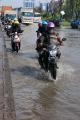 Rob Kembali Genangi Jalur Pantura Semarang
