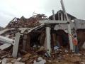 rumah-runtuh-dihantam-gempa-di-sukabumi_20200310_194710.jpg