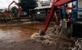 sampah-di-pintu-air-manggarai_20200220_222557.jpg