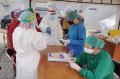 Satgas Covid-19 Test Swab PCR Warga Sumur Batu