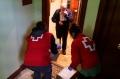 sukarelawan-palang-merah-di-spanyol-datangi-rumah-warga_20200327_181616.jpg
