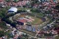 tenda-korban-gempa-masih-padati-stadion-manakarra-mamuju_20210127_101406.jpg