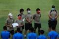 timnas-indonesia-u-19-kembali-jalani-pemusatan-latihan_20200807_194929.jpg