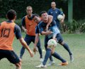 timnas-senior-indonesia-asuhan-alfred-riedl-lakukan-latihan_20141105_151306.jpg