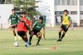 timnas-u-23-indonesia-gelar-latihan-jelang-laga-kontra-iran_20191116_025625.jpg