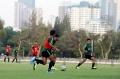 timnas-u-23-indonesia-gelar-latihan-jelang-laga-kontra-iran_20191116_030211.jpg