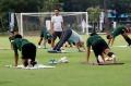 timnas-u-23-indonesia-gelar-latihan-jelang-laga-kontra-iran_20191116_030833.jpg