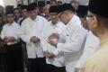 tokoh-nasional-berikan-penghormatan-terakhir-kepada-gus-sholah_20200203_184333.jpg