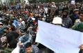 unjuk-rasa-mahasiswa-dan-pelajar-di-depan-gedung-dprd-jabar_20191002_232201.jpg