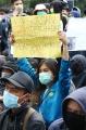 unjuk-rasa-mahasiswa-dan-pelajar-di-depan-gedung-dprd-jabar_20191002_232714.jpg