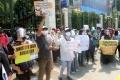 Unjuk Rasa Orang Tua Murid Tolak PPDB di Kemendikbud