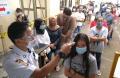 vaksinasi-covid-19-di-pasar-baru-bandung_20210308_213816.jpg