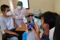 vaksinasi-covid-19-di-pasar-baru-bandung_20210308_220001.jpg
