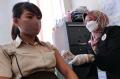 vaksinasi-covid-19-di-pasar-baru-bandung_20210308_220241.jpg