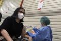 vaksinasi-covid-19-untuk-pegawai-toko_20210323_232921.jpg