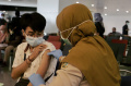 Vaksinasi Penumpang Di Bandara Internasional Ahmad Yani Semarang