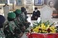 Wanita TNI  Ziarah ke 3 Makam Pahlawan Wanita Indonesia