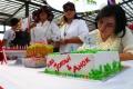 Warga Rayakan HUT Jokowi dan Ahok di Kalijodo