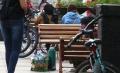 warga-tak-terapkan-jaga-jarak-di-jalan-asia-afrika-kota-bandung_20200625_224243.jpg