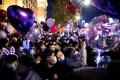 warga-wuhan-tumpah-ruah-merayakan-tahun-baru_20210101_174715.jpg