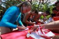 Wisatawan Asing di Bali Turut Serta dalam Perlombaan Agustusan
