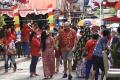 wna-di-kampung-bule-batam-lomba-perayaan-hut-ri-ke-75_20200819_160332.jpg