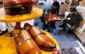 yana-mulyana-tinjau-pabrik-sepatu-kulit-handmade-bandung_20210331_214120.jpg