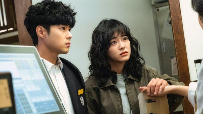 8-hal-yang-bisa-membuatmu-penasaran-dengan-drama-korea-the-uncanny-counter-di-netflix.jpg