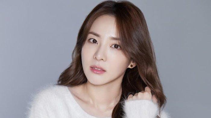 Aktris-sekaligus-penyanyi-Sandara-Park.jpg