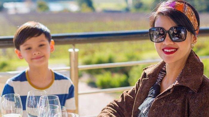 Armand Quinn, Anak Pertama Farah Quinn