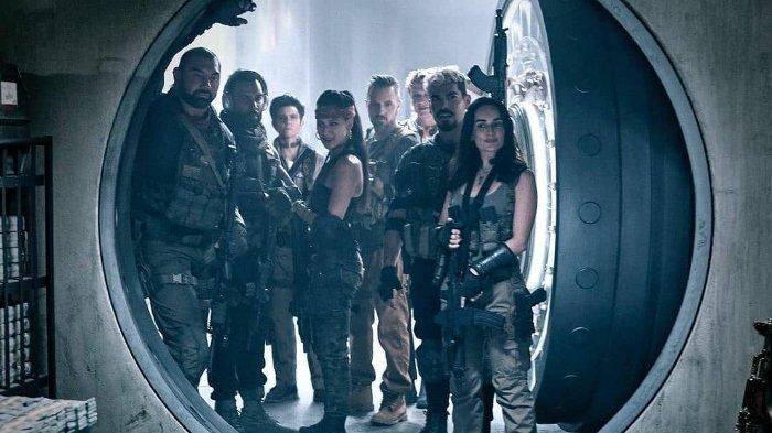 Dengan mengusung genre film aksi, kriminal, horror fiksi ilmiah dan thriller, film Army of the Dead mengisahkan sekelompok tentara bayaran yang merencanakan pencurian di kasino Las Vegas selama wabah zombie.