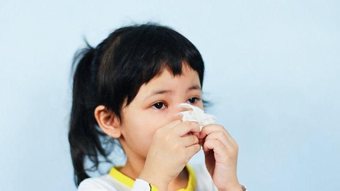 Batuk rejan ditandai dengan batuk keras yang terjadi secara terus-menerus yang biasanya diawali dengan tarikan napas panjang lewat mulut