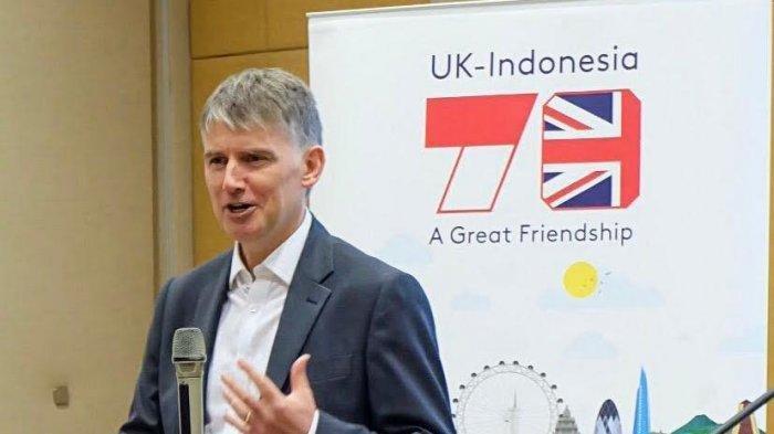 Duta-Besar-Inggris-untuk-Indonesia-dan-Timor-Leste-Owen-Jenkins.jpg