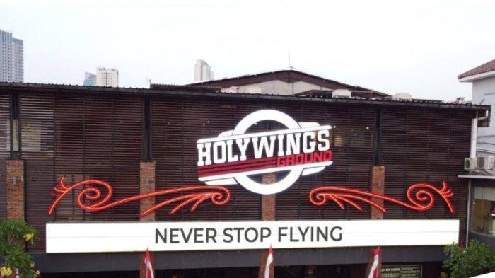 Holywings.jpg