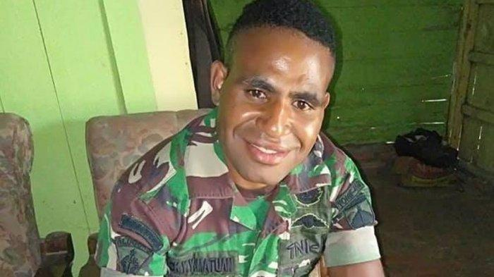 Lucky Matuan, mantan Prajurit TNI yang membelot jadi anggota KKB Papua.  2