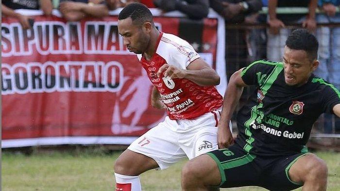 Marcel Kararbo saat masih bermain untuk Persipura Jayapura.