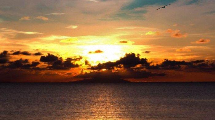 Sunset di Pantai Caruban