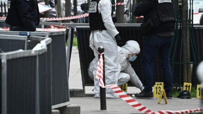 Penyelidik forensik polisi Prancis mencari bukti