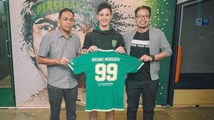 Begitu remsi menjadi pemain Persebaya Surabaya untuk Liga 1 2021, Bruno Moreira akan mengenakan jersey bernomor punggung 99 di Bajul Ijo.