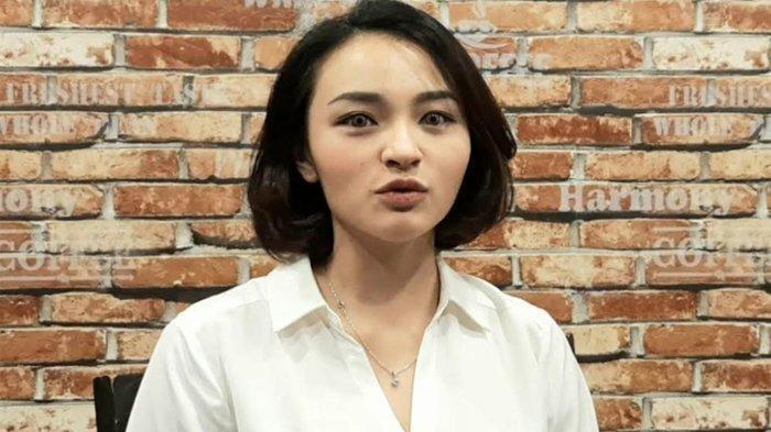 Revina VT ketika ditemui di kawasan Semanggi, Jakarta Selatan, Kamis (29/4/2021)