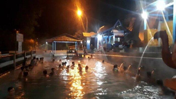 Ritual Mandi Bersama Malam Jumat Kliwon