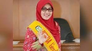 Istri Bupati Tebo dua periode H Sukandar, Saniatul Lativa dikabarkan bakal maju PPilkada Tebo 2024.